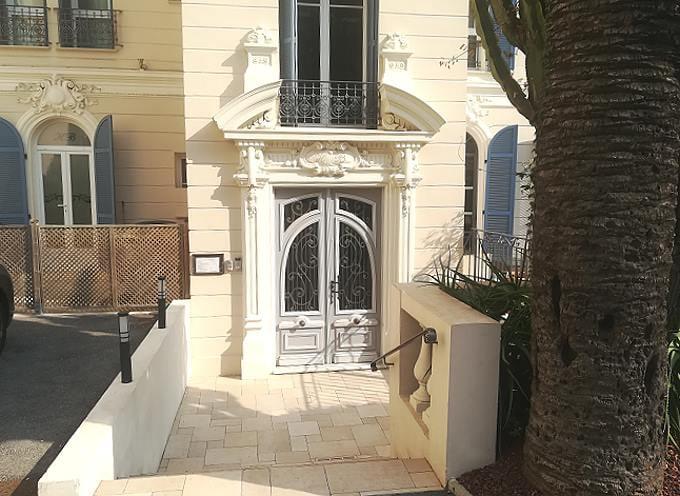 Eingang vom Hotel Le Havre Bleu